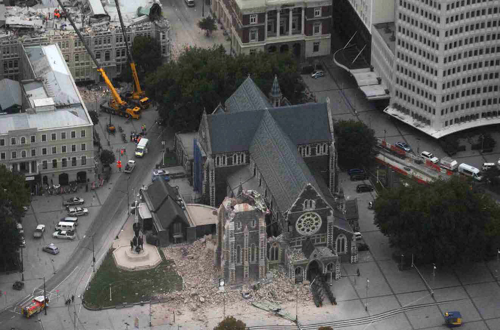 ChristChurch_Cathedral_-_2011_earthquake_damage